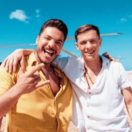 """Parceria internacional: Wesley Safadão e Guaynaa (cantor porto-riquenho) lançam """"Não Faz Como Eu"""""""